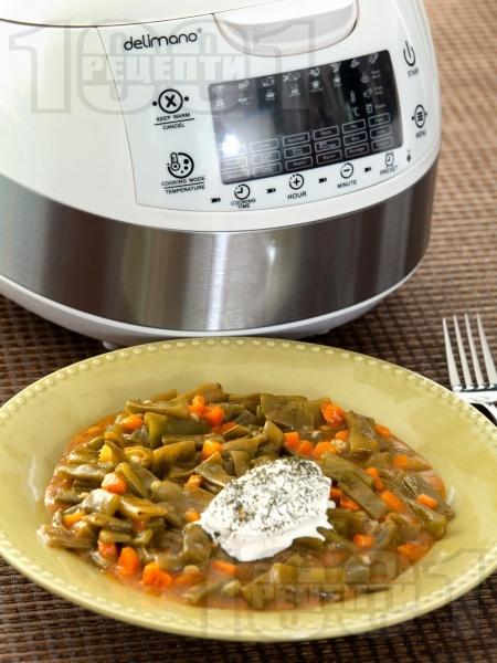 Вегетарианска яхния от зелен фасул (боб) в Делимано Мултикукър - снимка на рецептата
